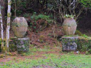 Abandoned urns